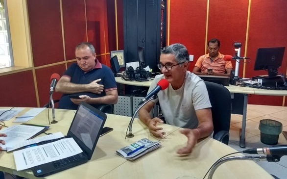 PROFESSOR HELMILTON BESERRA PARTICIPA DE ENTREVISTA EM PETROLINA